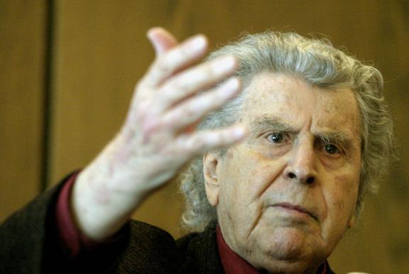 http://www.laplumeagratter.fr/wp-content/uploads/2012/03/Mikis-Theodorakis.jpg