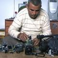Emad Burnat et ses cinq caméras brisées