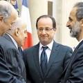 François Hollande, Laurent Fabius et Moaz Al-Kathib le 17 novembre 2012 à Paris
