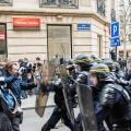La Manif pour Tous, plus tabassée encore par les médias que par les CRS de Valls