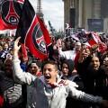 Les supporters d'extrême-droite denoncés par Le Monde et Manuel Valls...