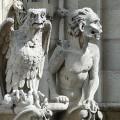 Un aigle et une gargouille... Dominique Venner et Renaud Dély à jamais à Notre Dame de Paris