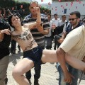 Les Femen ont été libérées en Tunisie... En France, Nicolas est toujours en prison