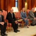 Manuel Valls, Jean-Yves Le Drian, Nicole Bricq, et Frederic Cuvillier à l'aéroport de Doha pour la visite officielle de Francois Hollande au Qatar le 22 juin 2013