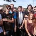 Manuel Valls en pleine dégustation de quenelles épaulées...