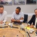 Ils ne sont trois guignols mais hélas pas inconnus, et tout sauf drôles - Cameron, Obama et Hollande, les incendiaires de la Syrie qui ont menti comme des arracheurs de dents sur l'attaque chimique de Gouta...
