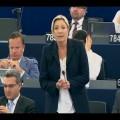 Marine le Pen fustige l'élection de Jean-Claude Juncker à la tête de la Commission Européenne (15 juillet 2014)