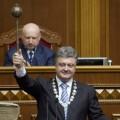 Porochenko, l'oligarque du chocolat marionnette de l'OTAN, tiendra-t-il encore longtemps devant l'ampleur du désastre