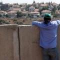 Il n'y a pas que les cons qui osent tout... les salauds aussi ! Israël annexe 400 hectares en représailles