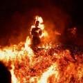 Après la rééducation prônée par Nathalie St Criq... bientôt des bûchers pour brûler ceux qui e se sentent pas Charlie