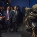 François Hollande au Mémorial ACTe, plus grand centre du monde dédié à l'histoire de la traite, le 10 mai 2015 à Pointe-à-Pitre (Martinique)