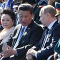 Le président chinois, Xi Jinping, et Vladimir Poutine au Défilé de la Victoire à Moscou, samedi 9 mai 2015