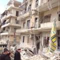 Monseigneur Jeanbart dans un quartier dévasté d'Alep..