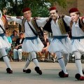 Lagarde, Juncker, Tsipras et Merkel n'en finissent plus de nous danser le cirquetaki..