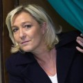 Marine Le Pen, dans l'isoloir..