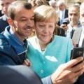 Merkel et les migrants, une histoire d'amour complètement fou dont les motivations sont loin d'être claires.