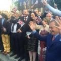 Nigel Farage et les partisans du Brexit fêtent leur victoire..
