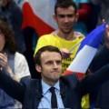 Macron part en couille..