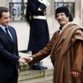 Sarkozy et le monstre Kadhafi sans commentaires