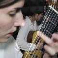 La femme est l'avenir de la guitare : Clair de lune de Claude Debussy par Roxane Elfasci